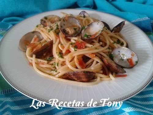 Espaguetis con almejas vongole - Espaguetis con almejas ...