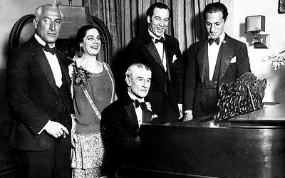 Oskar Fried, Eva Gauthier, Maurice Ravel no piano; Manoah Leide-Tedesco e George Gershwin