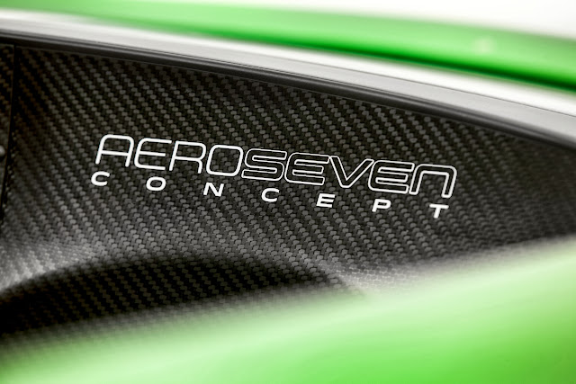 Caterham+Aero+Seven+Detail+Dash [Video] Caterham AeroSeven Concept: Lean and Green