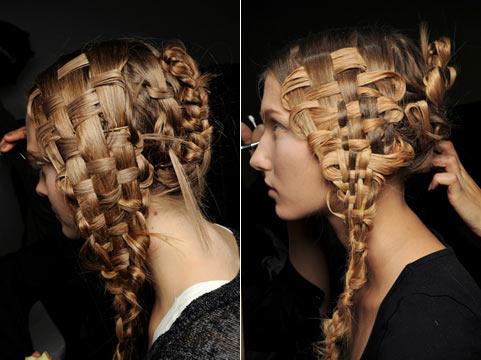 2 Зачіски на довге волосся від Alexander McQueen