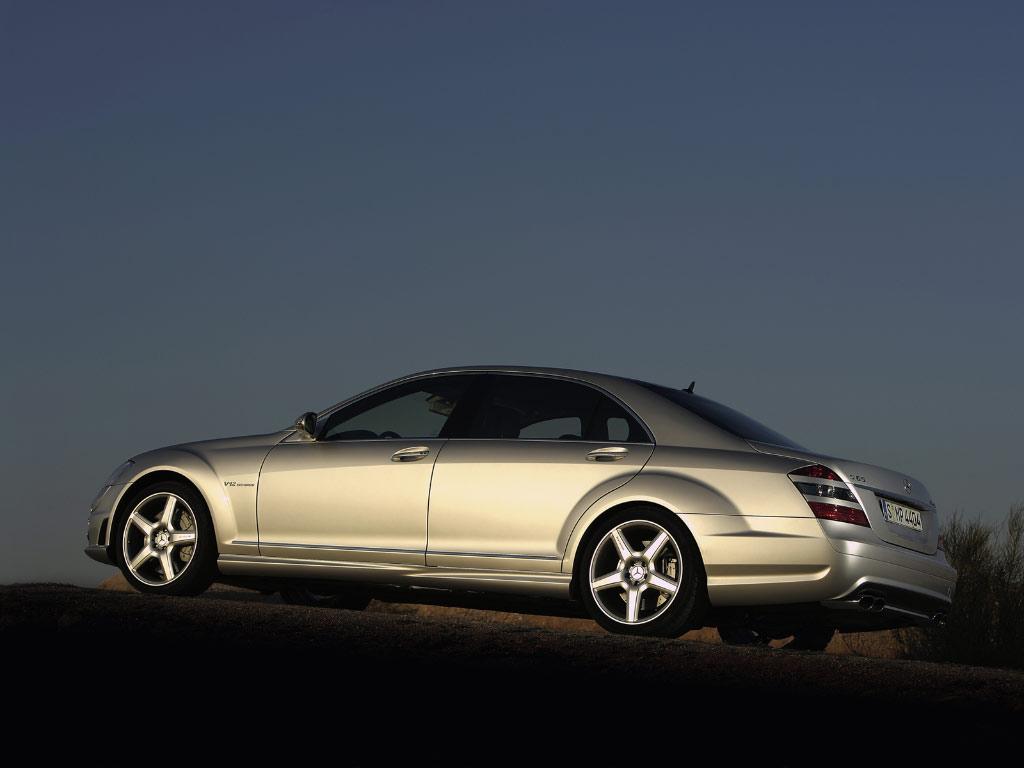 http://1.bp.blogspot.com/-WGcr7F82nwI/T4vToipztgI/AAAAAAAAzbU/q-1bmO-J6OM/s1600/Mercedes-Benz+S-Class+Cars+Pictures+(11).jpg
