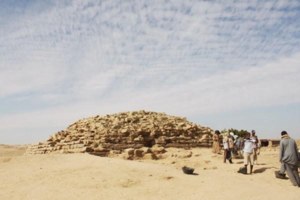piramide desconocida de 4600 años