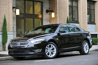 2013-Ford-Taurus-front-black