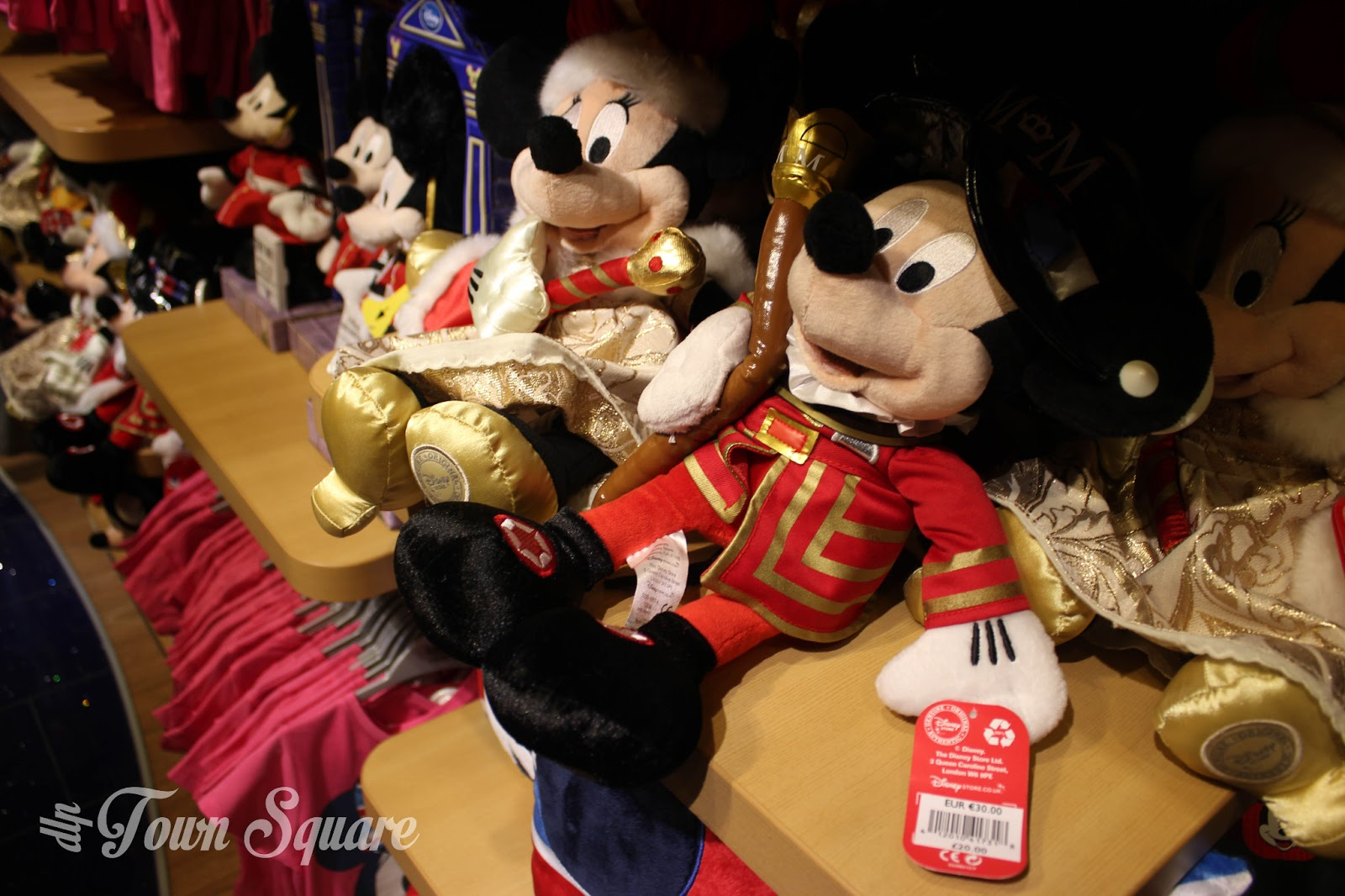 London Mickey and Minnie plush toys