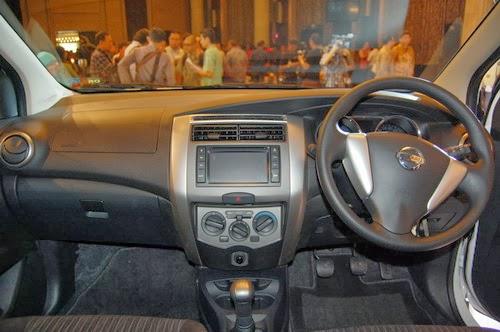 Nissan Grand Livina Highway Star yang merupakan varian tertinggi