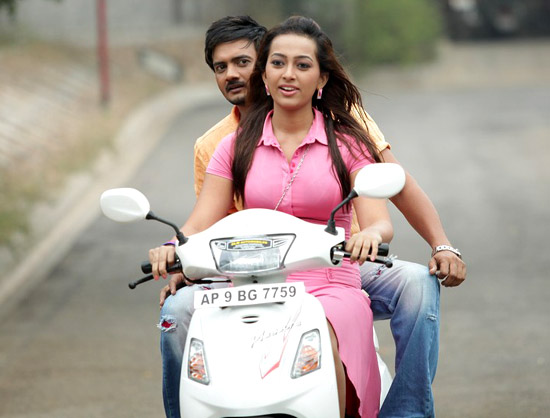 teja 1000 abaddalu movie working stills5