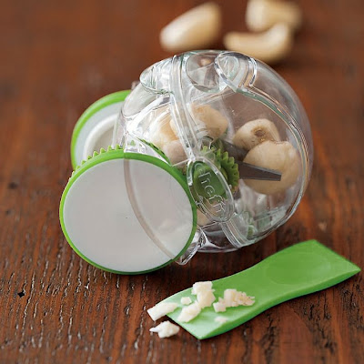 Cool and Creative Garlic Gadgets for your Kitchen (10) 8