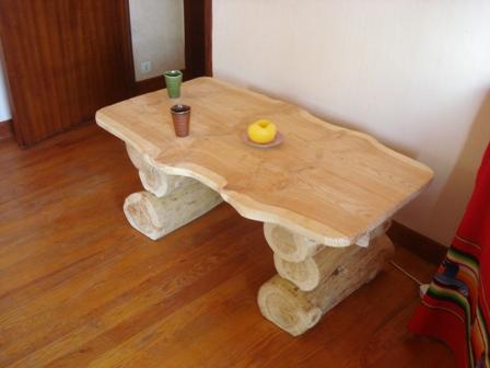 table basse rondin elegant table basse haricot bois meubles et rangements table basse en bois. Black Bedroom Furniture Sets. Home Design Ideas