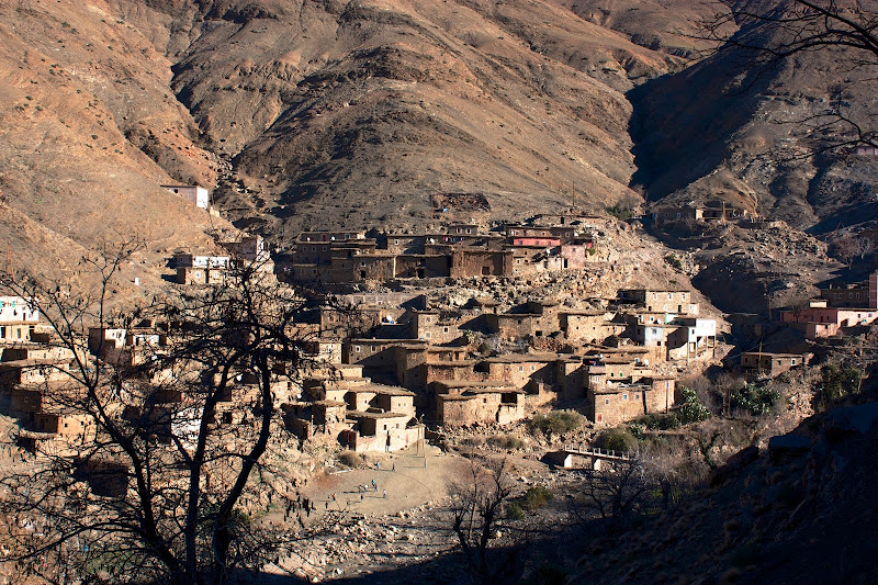 pueblo perdido en las montañas del atlas