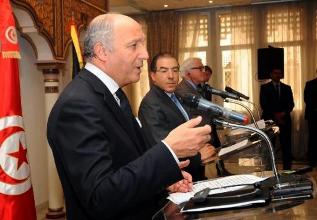 Fabius promet de passer des vacances en Tunisie pour montrer l'exemple