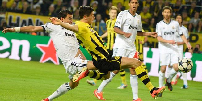 Robert Lewandowski Goal celebration expression Madrid VS Borussia    Lewandowski Celebration