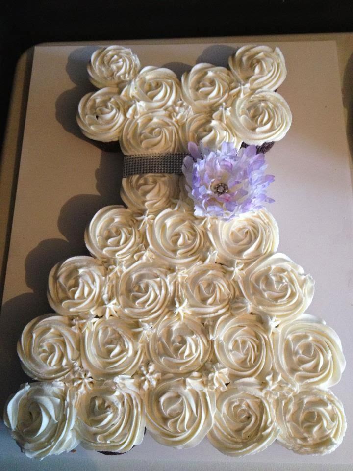 Les douceurs d 39 ema et tom cupcakes mariage for Wedding dress cupcake cake