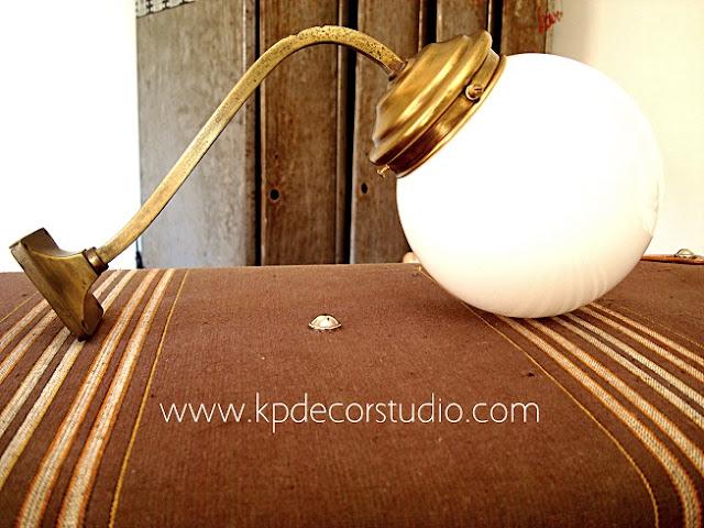 Aplique antiguo de latón vintage. Venta de lámparas antiguas de latón dorado, precios y ofertas