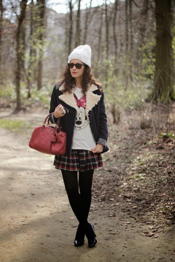 http://www.inlovewith-fashion.com/2014/03/minnie-tshirt.html