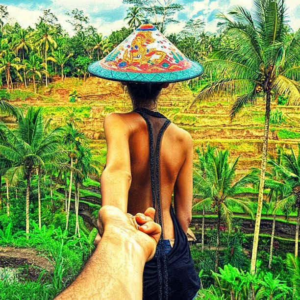 Lovers Romantic Couple Holding Hands Together Images Profile Picture for WhatsApp, Most Romantic Lovers Images for WhatsApp, Beautiful Romantic Couple Pictures.