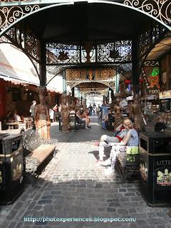 More food stalls in Camden. Más puestos de comida en Camden.