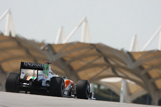 Malaysian F1 Grand Prix – witness fast cars and riveting action under the sweltering