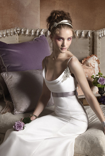Elegant Outdoor Wedding Dresses