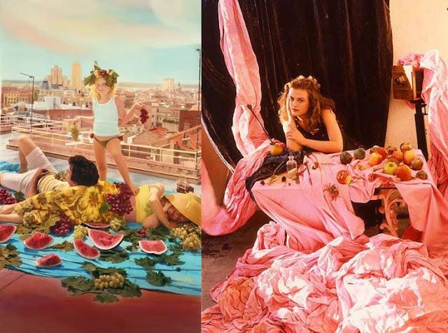 Dos cuadros de Ouka Leele. El de la izquierda muestra a su hija rubia en una azotea de un alto edificio. Sus padres están tumbados entre fruta y ella de pie con dos racimos de uvas en cada mano. El cuadro de la derecha muestra a Ouka Leele en su estudio trabajando sobre una larga tela rosa sobre la que hay fruta y flechas.