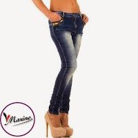Jeansi moderni, de culoare albastra, cu tur usor lasat ( )