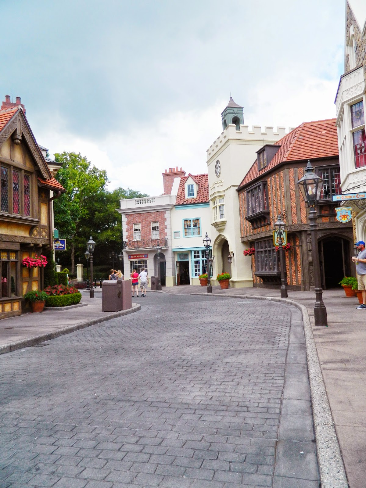 epcot england street buildings