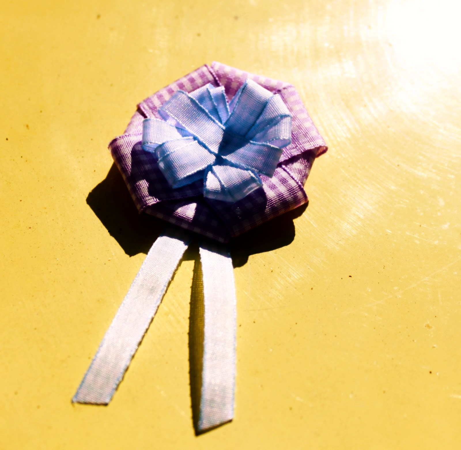 Schmuck basteln romantische broschen selber machen for Romantische geschenke selber machen