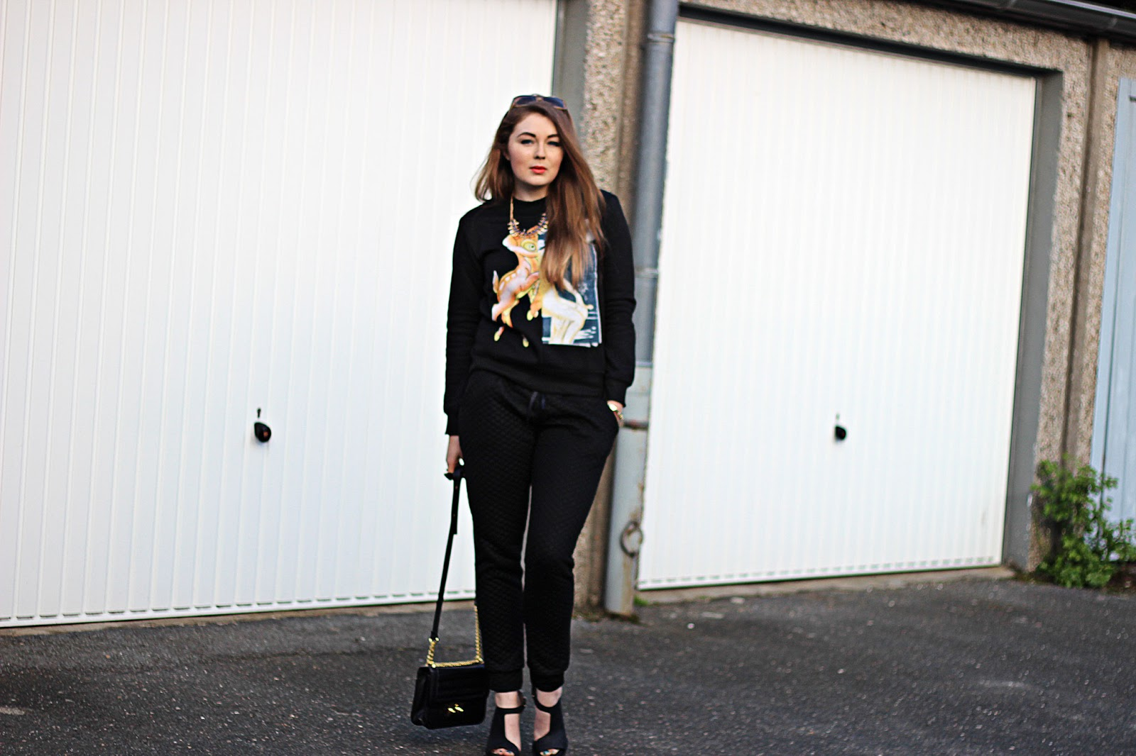 Miu Miu Sonnenbrille, H&M Sweatpants, modeblogger, hamburg, bambi sweater, givenchy, sheinside, outfit, & other stories, schuhe, gina tricot bag, schwarz, black, pullover, print, 2014, sommer,  summer trend, german fashionblogger,