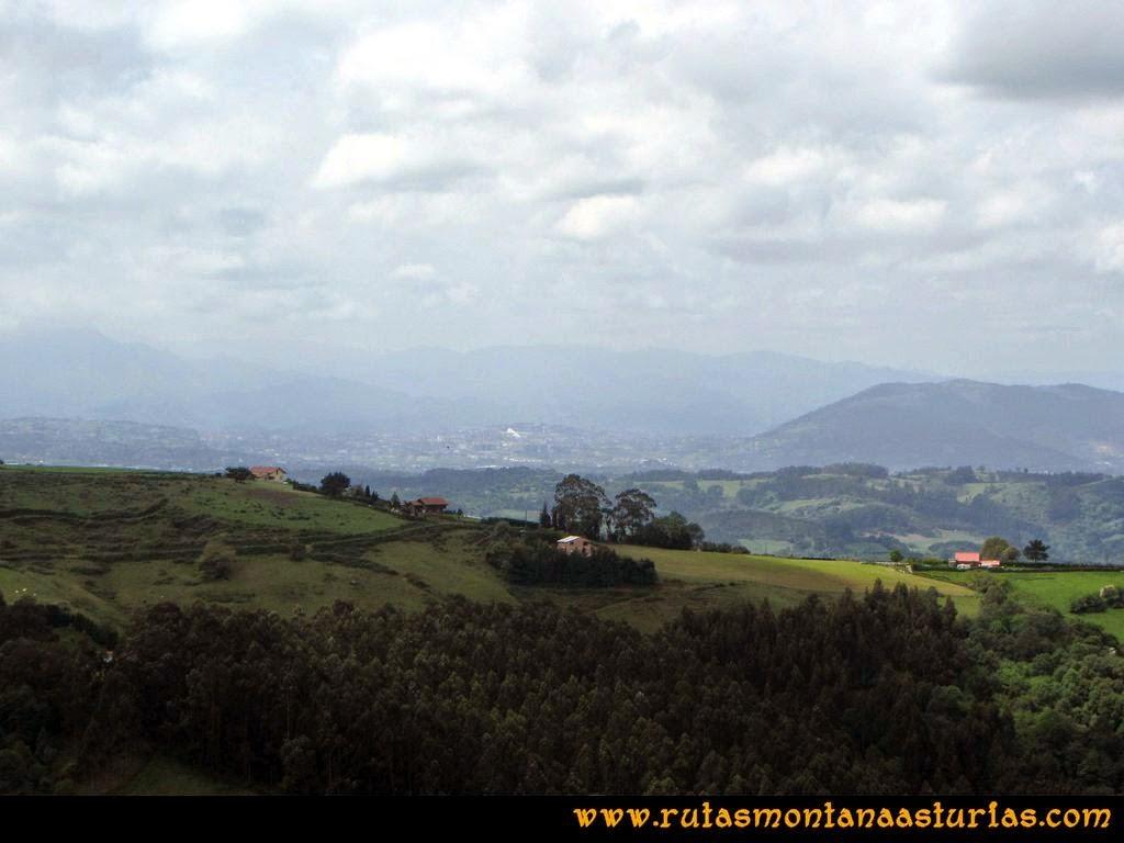 Senda Verde Camocha - Pico Sol - Piles: Vista de Oviedo desde el Pico del Sol