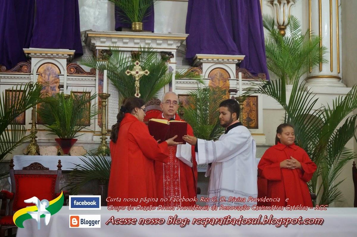 Domingo de Ramos 13/04/2014 -  Missa das 09h da Manhã presidida por Frei José Cardoso