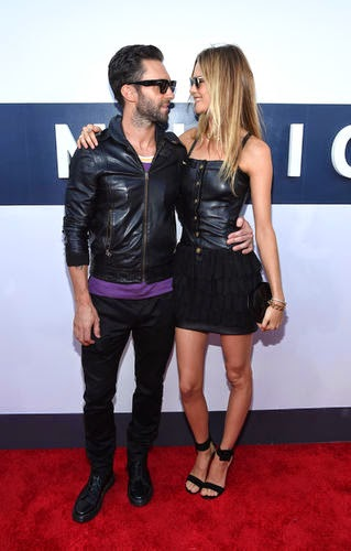 engagement, Adam Levine and Behati Prinsloo gave in Mexico