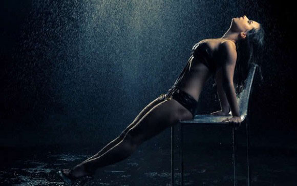 Hot Girl Rain Image