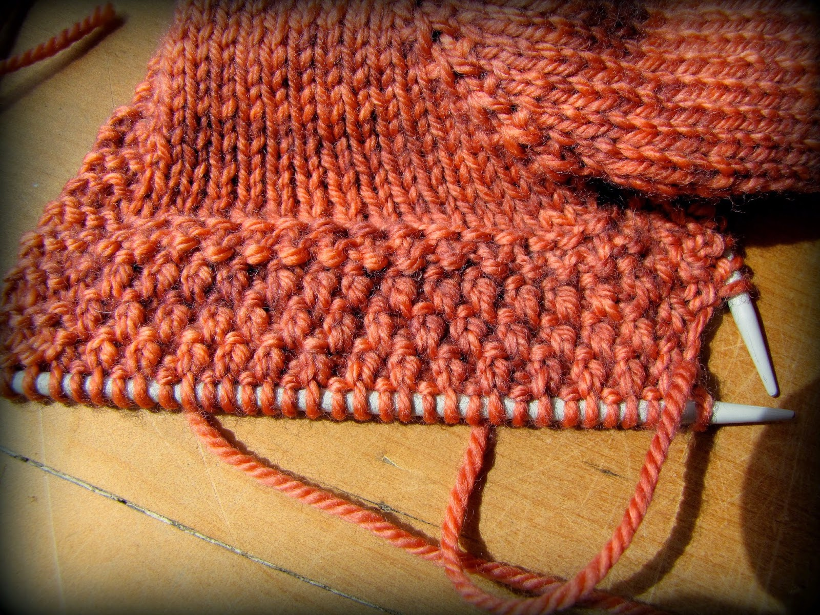 Knitting Double Moss Stitch Instructions : Miss Mollys Dolls: Arrabella & her Double Moss Stitch