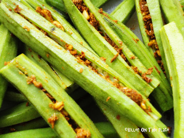 spicy masala bhindi or stuffed okra recipe