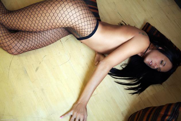 Postado Por Roger Em Bundudas Morenas Peitudas Tatuadas Filmvz