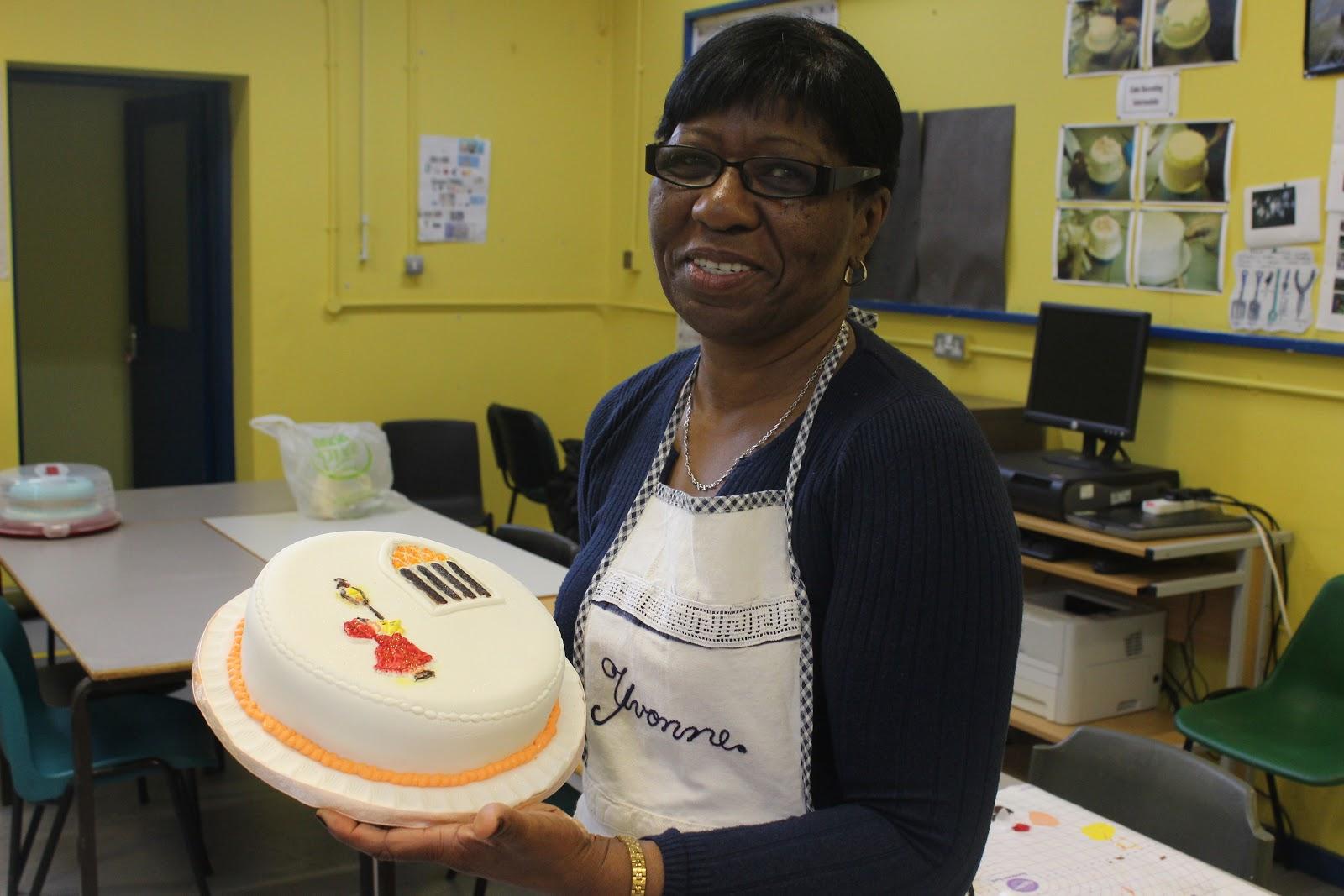 Cake Decorating Course Croydon : Flour Power Cake Journey: Basic cake decorating with a ...