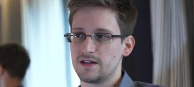 """Edward Snowden: """"La NSA comparte tus selfies porno"""""""