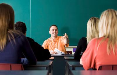 قصة قصيرة -07- male-teacher-points-