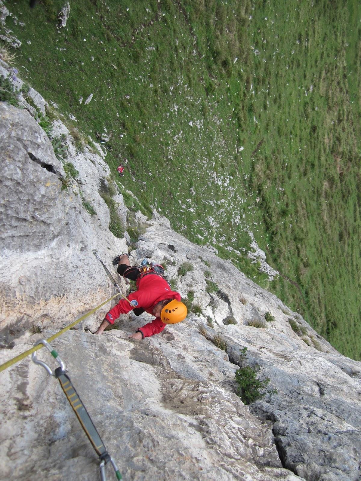 relatos de montaña: AGUJA MAGDALENA Via \