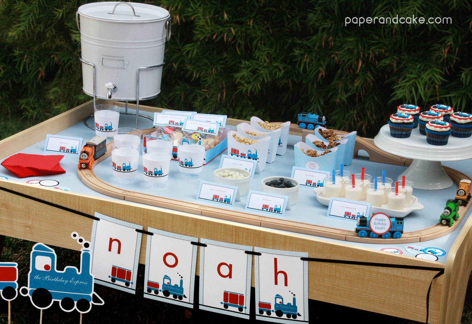 paper and cake: New Party! All Aboard the Printable Train Birthday Set