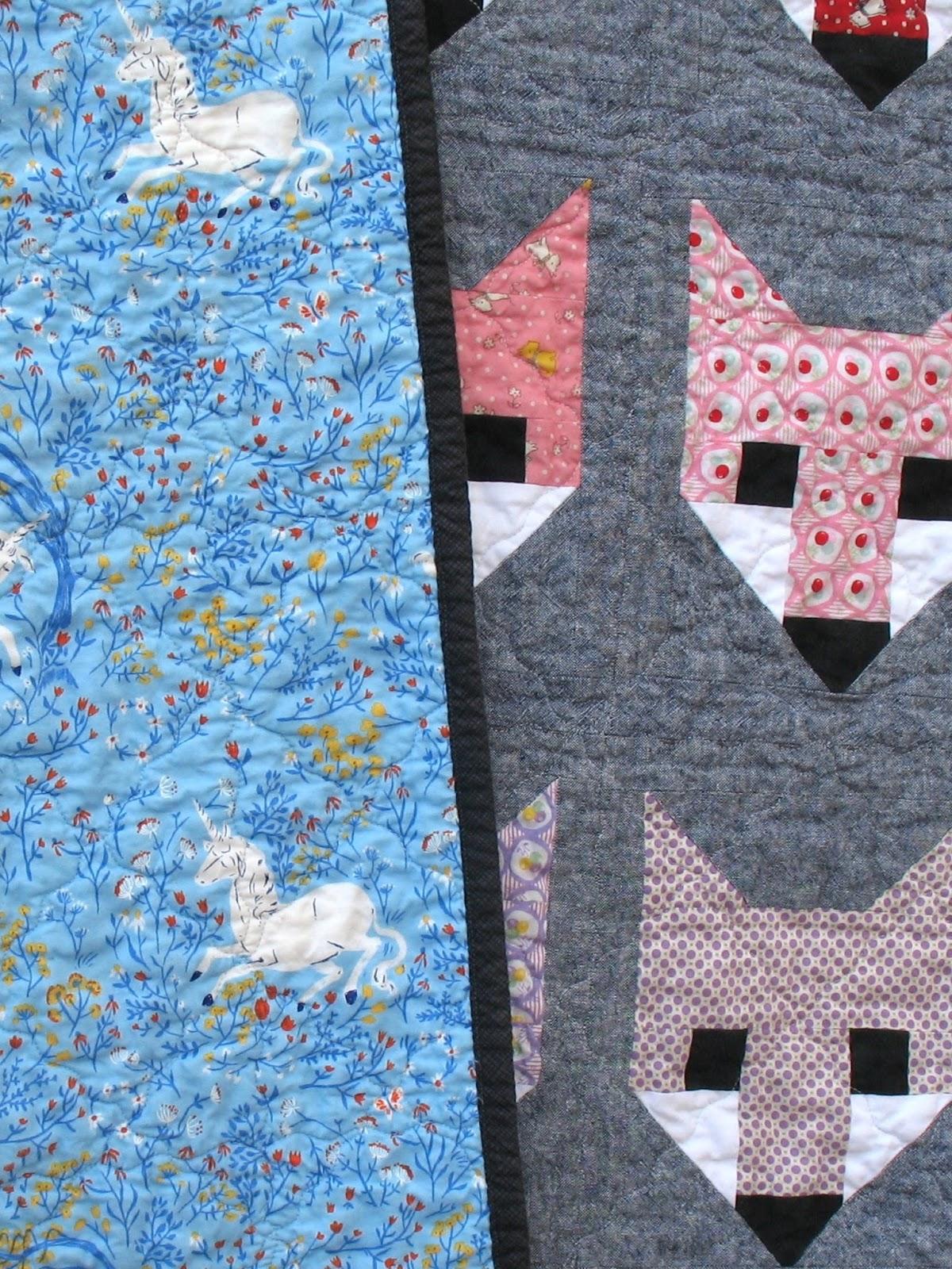Quilt Patterns 4 Different Fabrics : Ye Olde Sweatshop: Fancy Fox Quilt - Retro Style (#46)