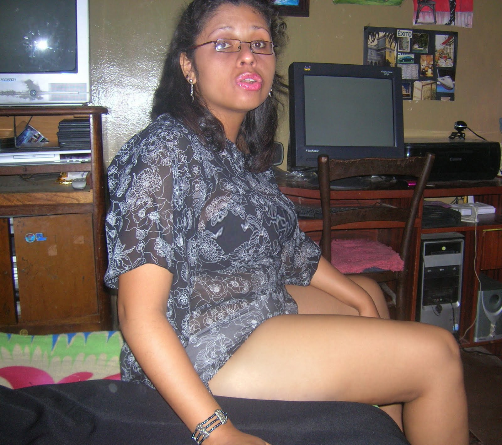 Una Mujer Peruana Muy Peludita Disfrutenla A Esta Senora Joven Madura