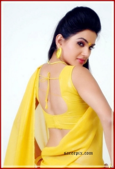 Kavya singh back in yellow saree
