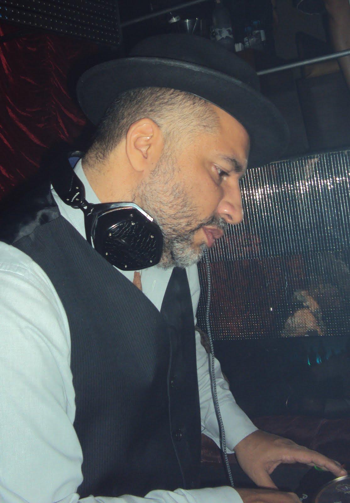 Franklin toscano embaixador do rio luciano szafir for Miroir nightclub rio