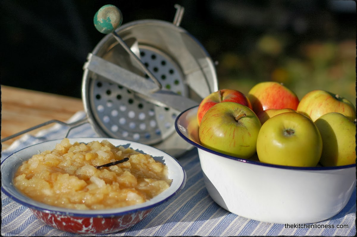 Cook the compote of apples in different ways