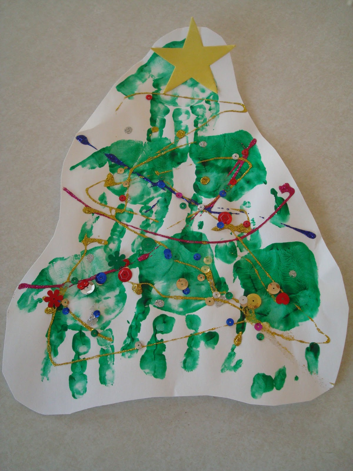 Decorate Christmas Tree On Paper : Big ideas little people paper christmas tree decorating