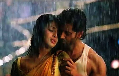 Hrithik and Priyanka Hot scenes from Agneepath Movie