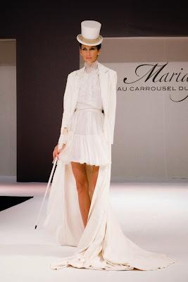 robe de mariée courte élégante sexy style années vingt garçonne chapeau haut de forme