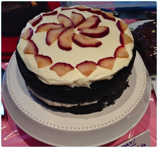 Clandestine Cake Club Bolton Two Dollybakes