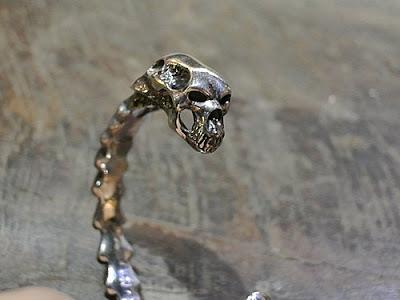 strange freak designs 的belphegor bangle