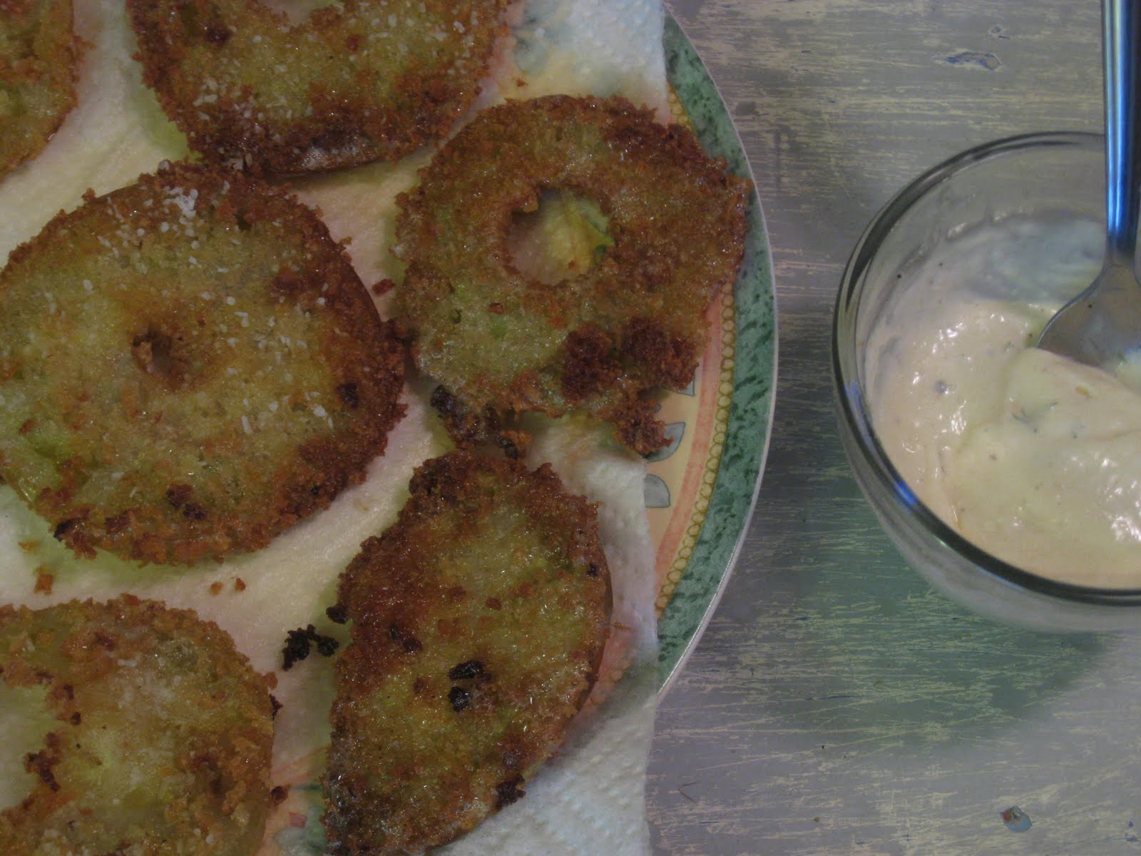 Panko-Fried Green Tomatoes with Dill, Horseradish and Mayonnaise Dip